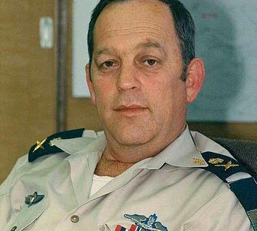 אלוף מיכה רם מפקד חיל הים 1989 1992