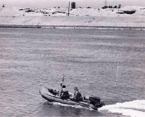 סירת לוחמי שייטת 13 בתעלת סואץ