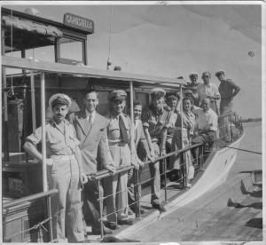 צוות מקורי של הקרוסטלה ואנשי חיל הים
