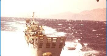 פלגת הנחתות בתנועה צמודה  במפרץ סואץ לקראת מבצע רביב