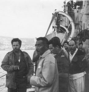 הקצינים המצריים שנתפסו בים מועברים למשטרה הצבאית