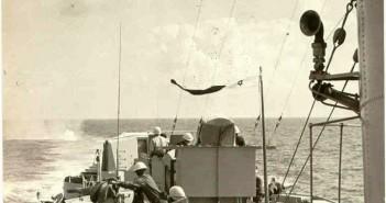 """פצצות עומק שהוטלו על ידי אח""""י חיפה גרמו נזק לצוללת מצרית שנאלצה להפסיק את המארב ולשוב לאלכסנדריה"""