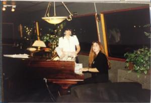הפסנתר בסלון הספינה