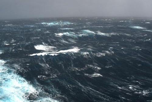 תנאי סערה בים התיכון
