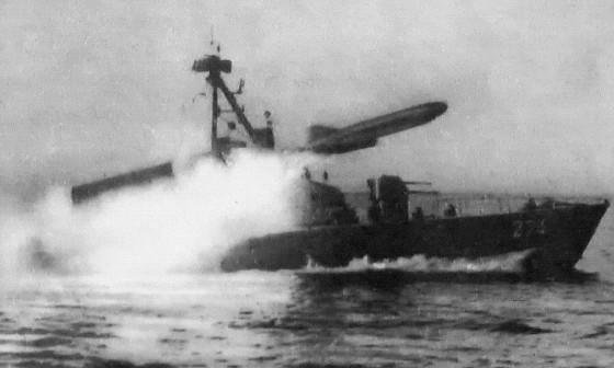 ספינת קומאר יורה טיל סטיקס