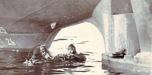 הצוללים בסריקת מדחף מיכלית סגיטה לקראת השקתה