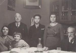 משפחת לוי בפדובה 1933 מימין לשמאל הסבא ויטוריו האחות עדה בן דוד ג'יורגו בסאני, האב יוסף האחות הצעירה אנה והאם ג'מה.