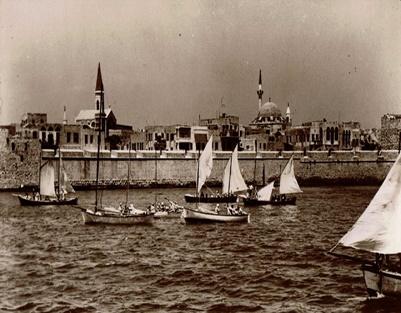סירות המפרש מתארגנות לזינוק במפרץ עכו אוקטובר 1953