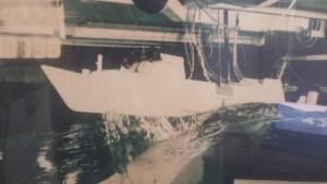 דגם מונע עצמאית בניסוי בריכה בדימוי ים גלי