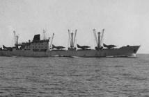מטוסי סקייהוק על סיפון אוניית חברת הפרי