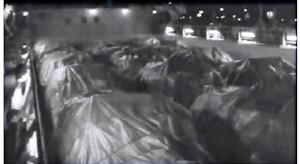 טנקים במחסן אונית סוחר בדרכה לישראל