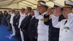 סגל פיקוד הצי המצרי מצדיע לצוללת החדשה בנמל אלכסנדריה 19 באפריל 2017