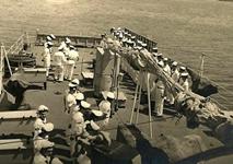 """מסדר בירכתי אח""""י מזנק לכבוד יום העצמאות 5 במאי 1957"""