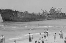 אלטלנה מוזנחת בחוף פרישמן בתל אביב 1948