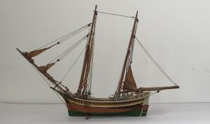 """מודל  של  ספינה מסוג """"מרכב"""" שהיה בשימוש הימאים הערבים במזרח התיכון"""