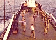 התעמלות בוקר לצוות על הסיפון האונייה.